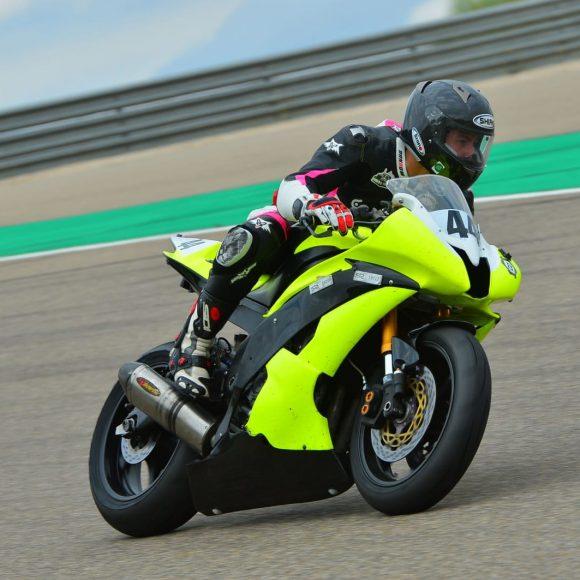 La salida en una carrera de moto es crucial durante la carrera